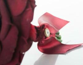 12A-270x210 זר כלה - ורד אדום ואבן קריסטל