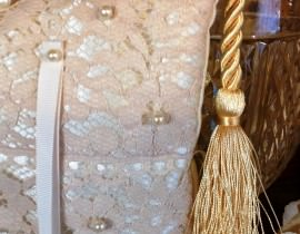 unnamed-16-270x210 כרית וינטאג' לטבעות נישואין - בד סאטן ותחרה מיוחדת