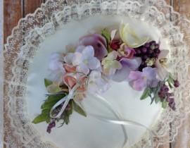 unnamed-37-270x210 כרית עגולה לטבעות נישואין - פרחי משי ופירות יער