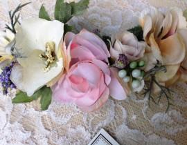 unnamed-42-270x210 סיכת פרחי משי רומנטית
