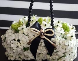 unnamed-11-270x210 זר כלה תיק פרחים בגווני שחור ולבן