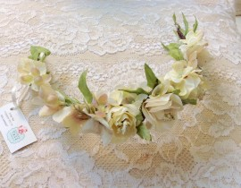 unnamed-4-270x210 סיכת פרחים לשיער בגווני לבן וורוד