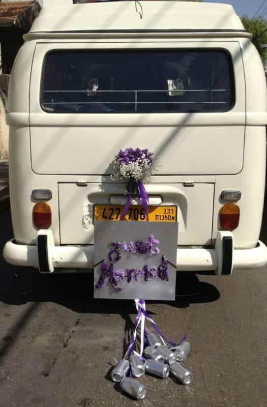 12 קישוט לרכב חתן כלה מפרחים בגווני סגול ולבן