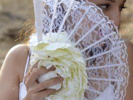 unnamed-72-270x203 זר כלה מניפה מפרחי משי - פרח לבן