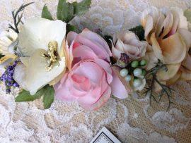 unnamed-42-270x203 סיכת פרחי משי רומנטית
