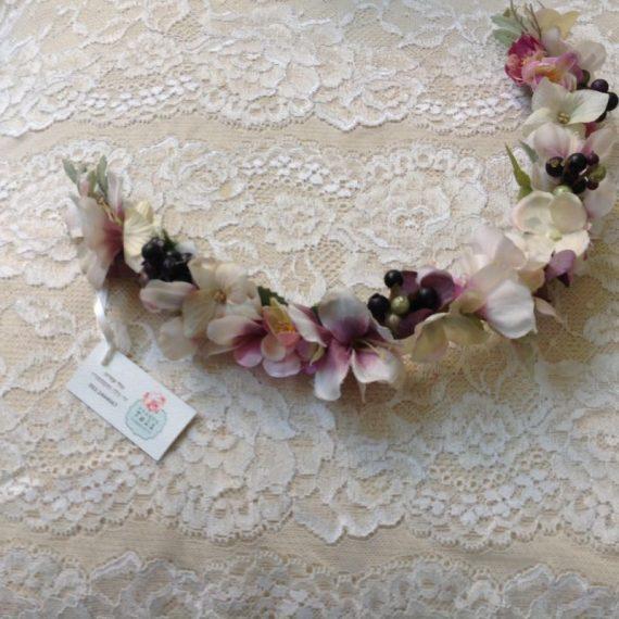 unnamed-1-570x570 סיכת פרחים בגוונים פסטליים